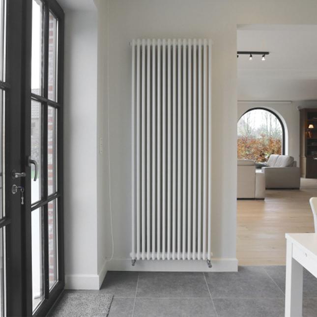 Вертикальный радиатор центрального отопления Zehnder Charleston 460 x 1800, белый 16-18 кв. м
